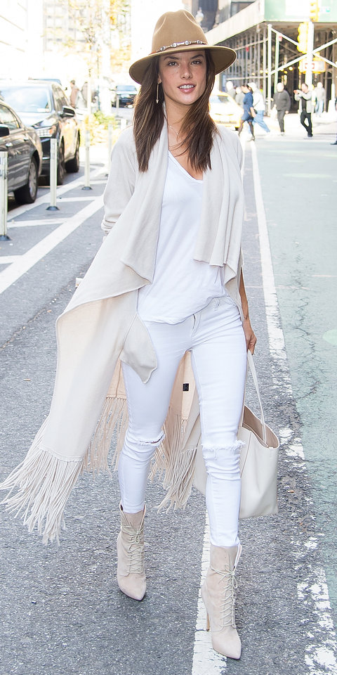 white-jeans-summer
