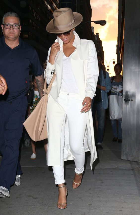 beyonce-all-white-outfit