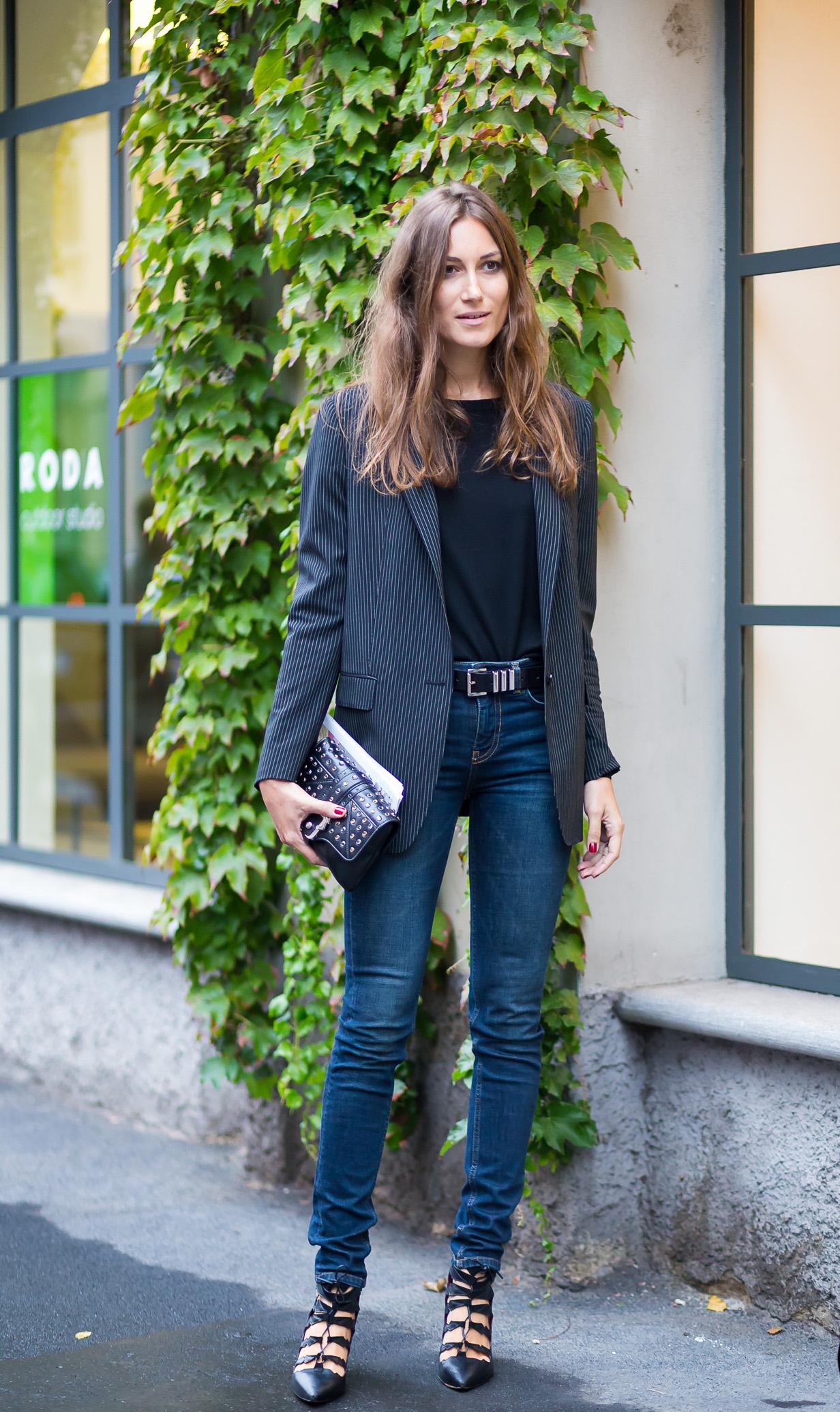 blazer-tee-shirt-outfit
