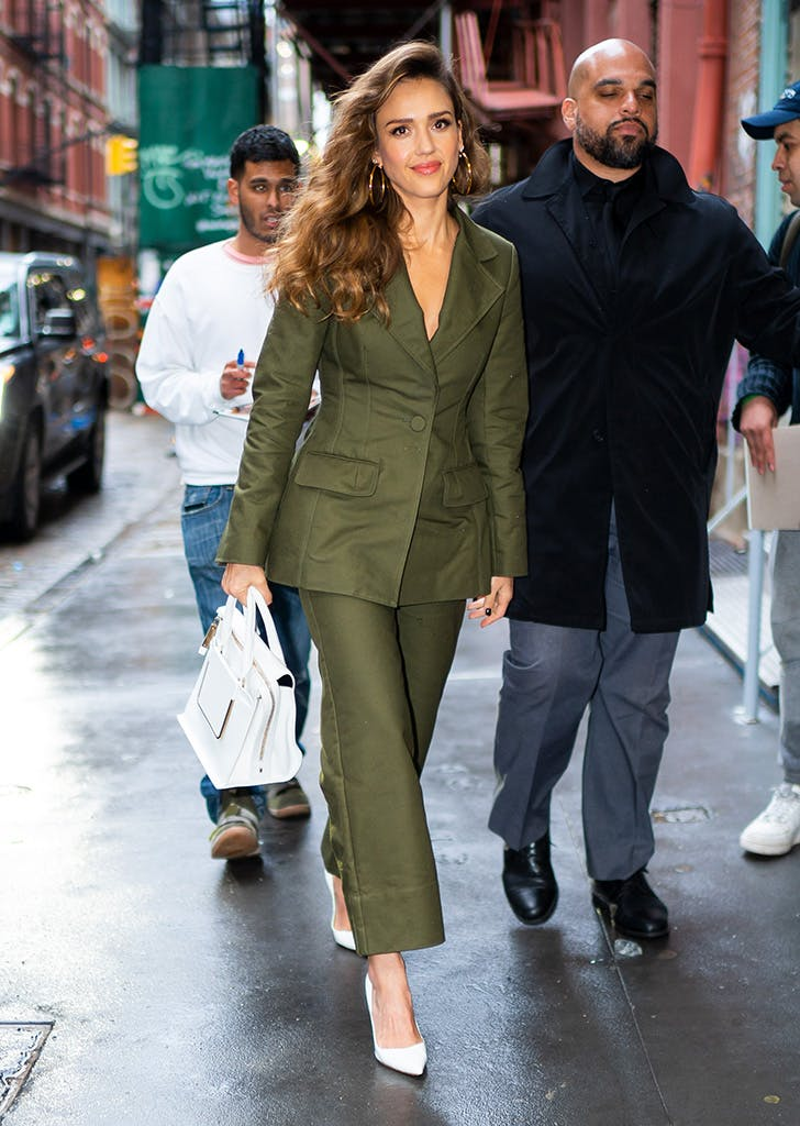 jessica-alba-green-suit