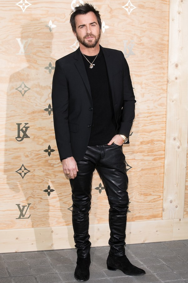 justin-theroux-black-leather-pants