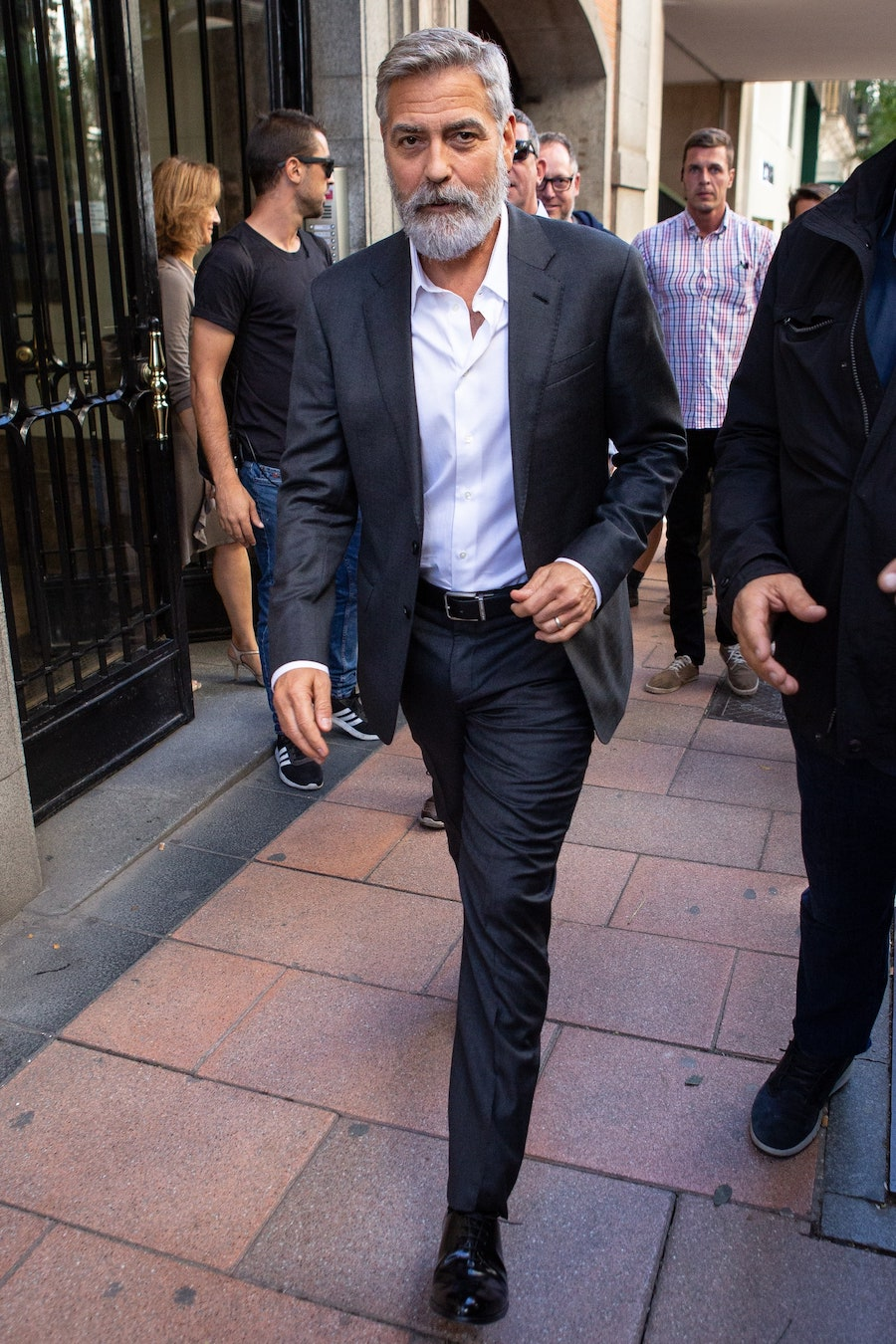 george-clooney-suit-style