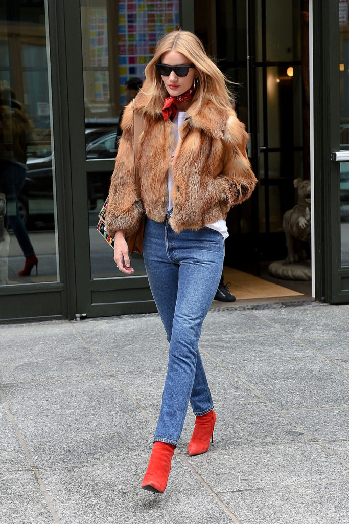 rosie-huntington-whiteley-fur-coat
