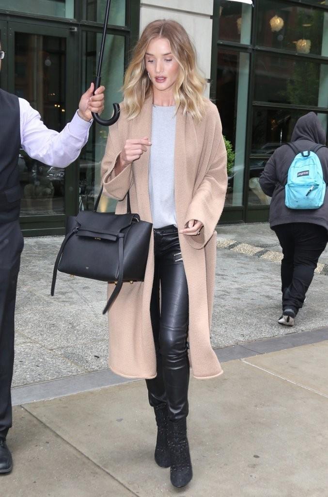 rosie-huntington-whiteley-leather-pants