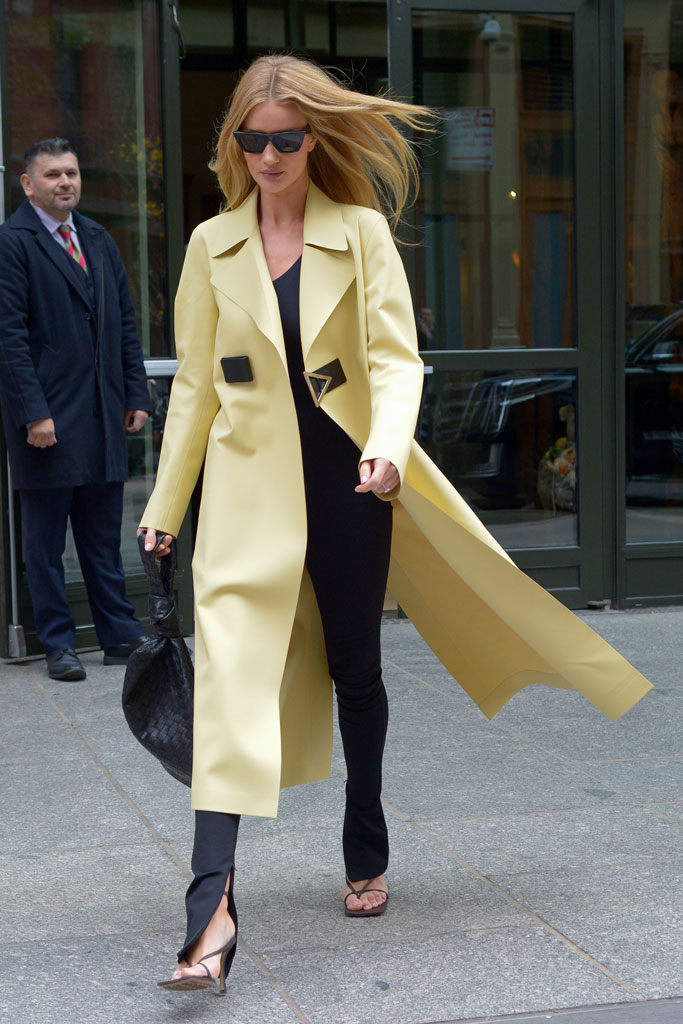 rosie-huntington-whiteley-yellow-coat
