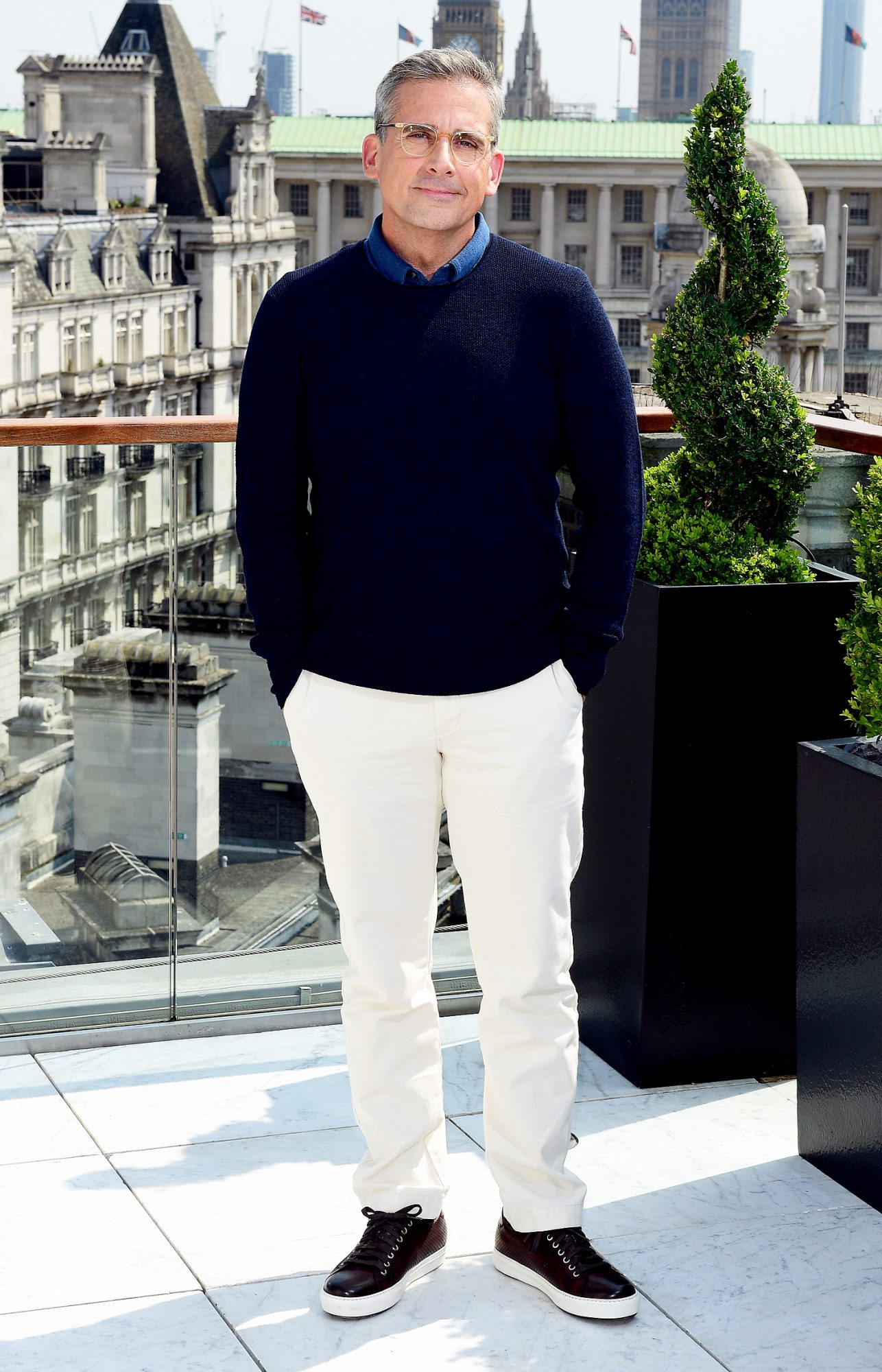 steve-carell-white-pants-style
