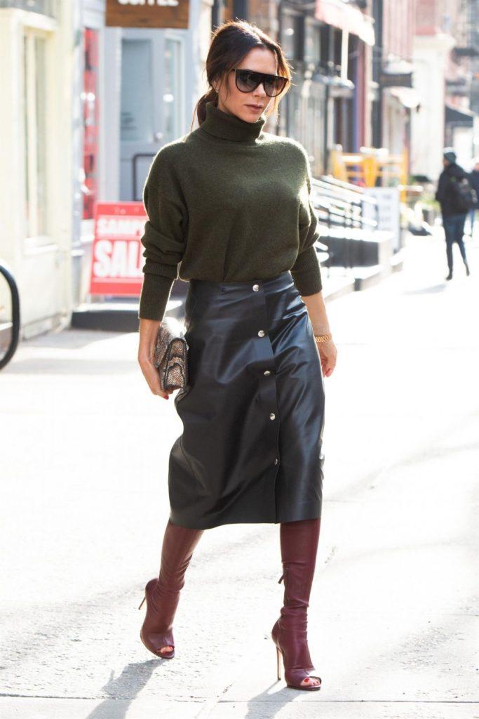 victoria-beckham-black-skirt