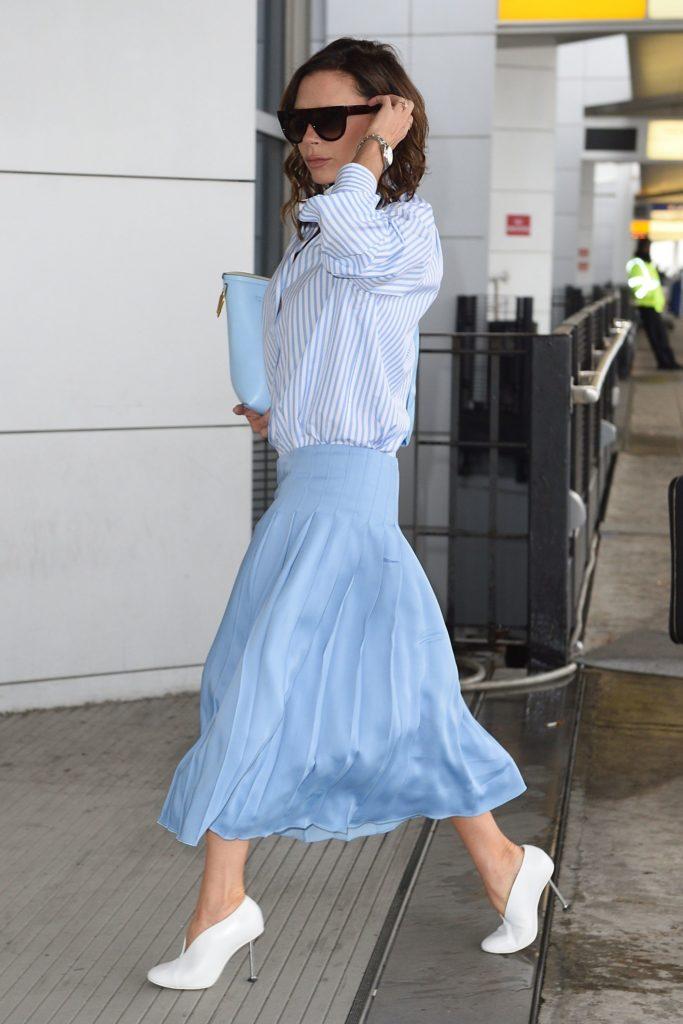 victoria-beckham-blue-skirt